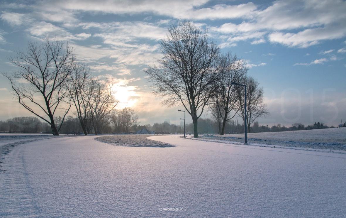 sneeuw-in-rotterdam-park-zestiehoven